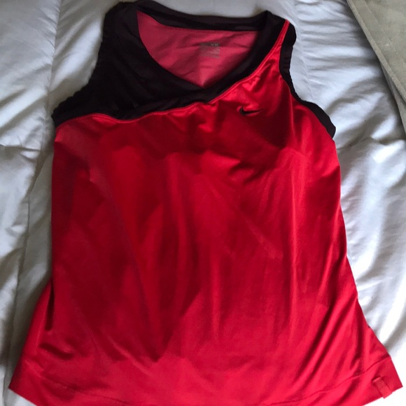 Nike Tops - Nike workout top